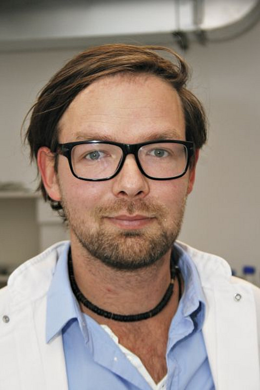 Dr. Jens Gruber is head of the Junior Research Group Medical RNA Biology at the German Primate Center. Photo: Christian Kiel