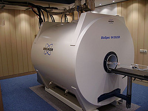 The Bruker BioSpec 94/30 MRI scanner with a field strength of 9.4 Tesla and a tunnel diameter of 30 centimeters is suitable for research on rodents and small primates. Image: Bruker Cooperation
