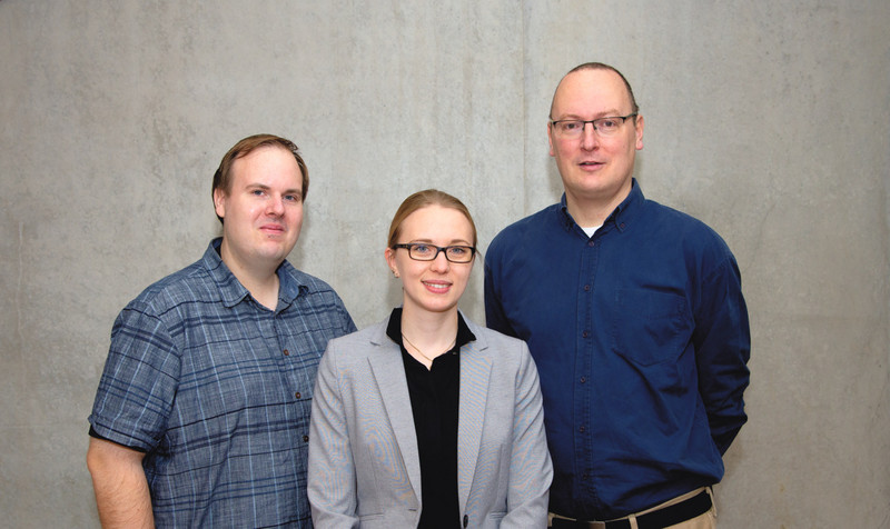 Dr. Markus Hoffmann, Hannah Kleine-Weber and Prof. Dr. Stefan Pöhlmann, scientists at the infection biology unit of the German Primate Center – Leibniz Institute for Primate Research. Photo: Karin Tilch