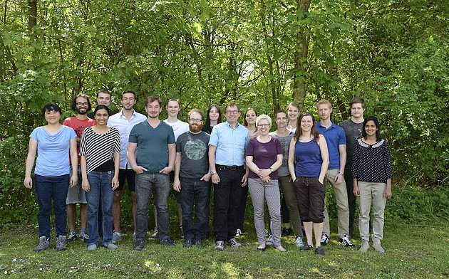 The staff of the Neurobiology Laboratory in May 2016. Photo: Karin Tilch